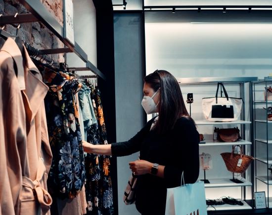 <日本への宅配>香港の買い物代行サービス