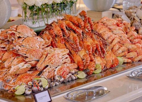 【ホーチミン】5つ星ホテル ロッテホテルサイゴン<朝食+ シーフードビュッフェの夕食付き>