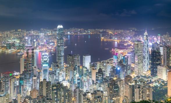 香港の夜景を大満喫!ビクトリアピークからの100万ドルの夜景観賞とビクトリア湾の壮大な夜景鑑賞ツアー<日本語ガイド>