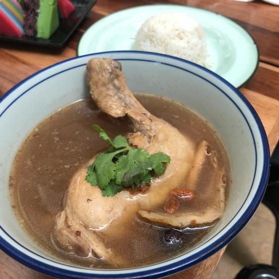昼食 ハーバルスープ