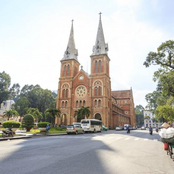 ホーチミンのピンクの教会とフォトジェニック巡りツアー