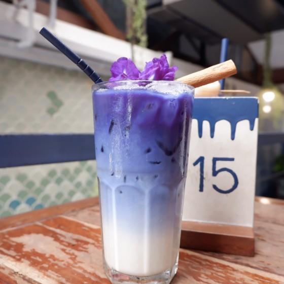 ブルーホエールマハラートカフェ