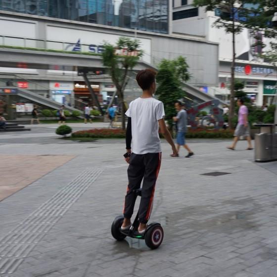 華強北路電気街