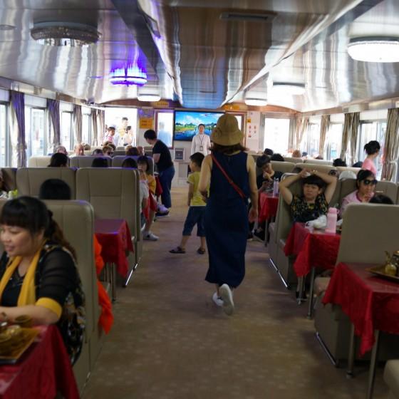 桂林漓江下り 船内 イメージ
