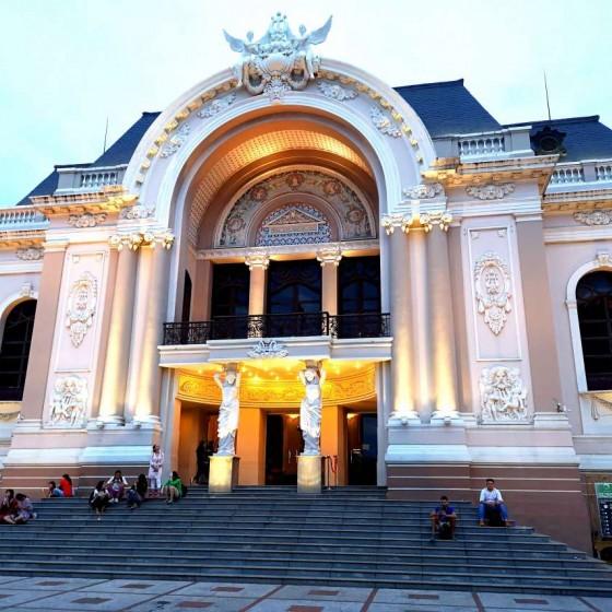 オープントップバスナイトツアー オペラハウス