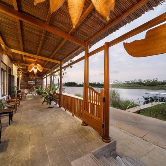 the boat house riverside home stay