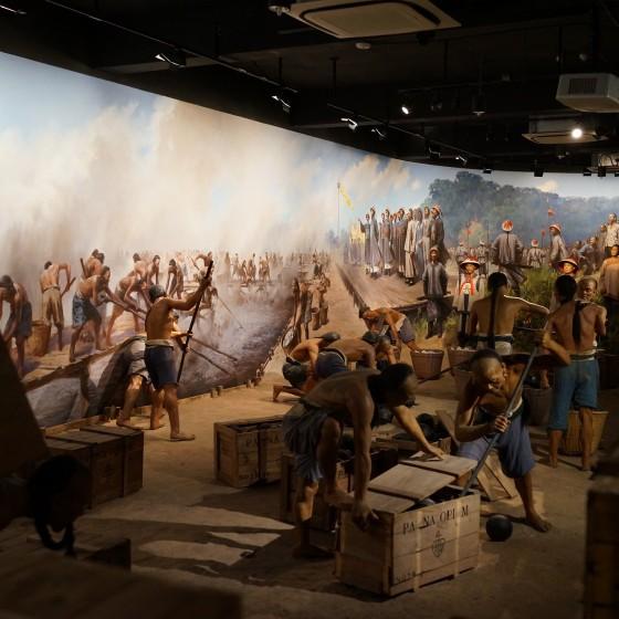 虎門 アヘン戦争博物館(林則徐記念館)~ 館内 林則徐によるアヘンの棄却の様子を再現し展示物 イメージ