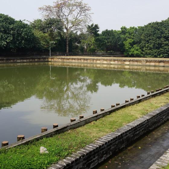 虎門アヘン戦争博物館(林則徐記念館) 林則徐がアヘン1,400トンを棄却したプールの一角