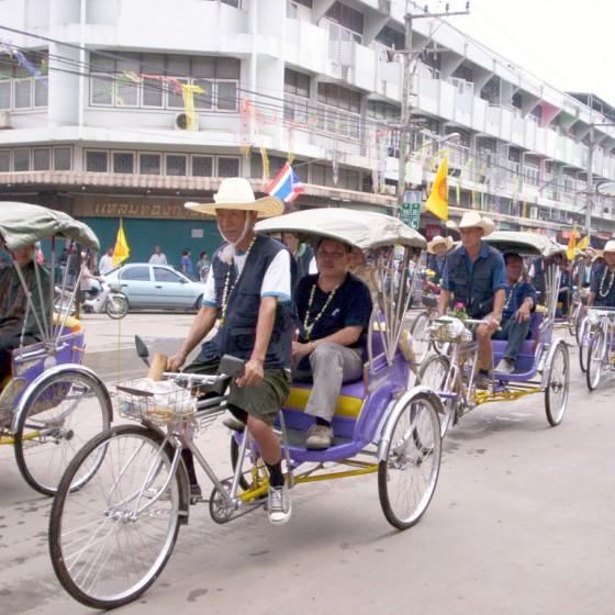 タイの人力車(サムロー)
