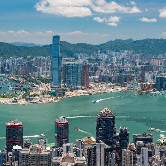 観光イメージ: 香港島から臨む九龍半島のイメージ