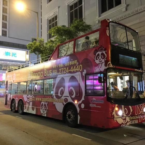 香港 パンダバス の オープントップバス
