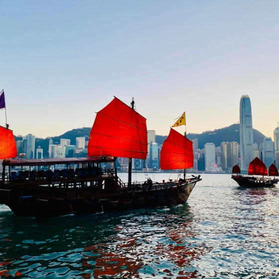 香港 アクアルナとビクトリアハーバー イメージ