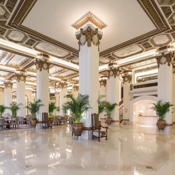香港 ペニンシュラホテル ザ ロビー イメージ