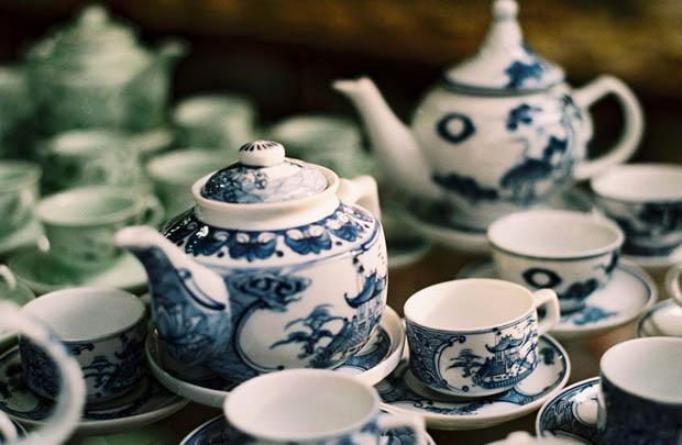 陶器の町、バチャン焼の村観光へご案内。ランチはベトナム料理