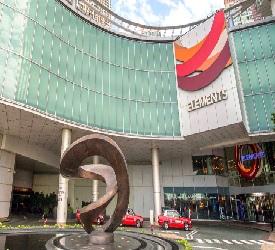 風水ショッピングモール、エレメンツで自由散策 オプションで追加可能!SKY100展望台から香港を一望( 大人120ドル、お子様100ドルお支払い必要) ※エレメンツでの解散も可能