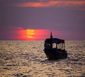 トンレサップ湖をクルーズで夕日鑑賞♪