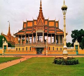 王宮と国立博物館を見学