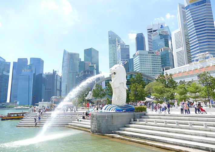 シンガポールの象徴「マーライオン像」