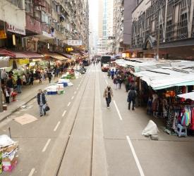 ローカルマーケット「春映街」を散策