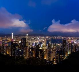 ビクトリアピークから香港の100万ドルの夜景を一望!