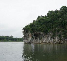 桂林のシンボルと言われる「象鼻山」へご案内