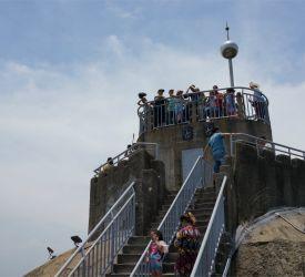 コロンス島と対岸の厦門の街並みを一望できる「日光岩」見学