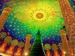 エメラルド色の仏舎利殿がインスタ映え「ワットパクナム」