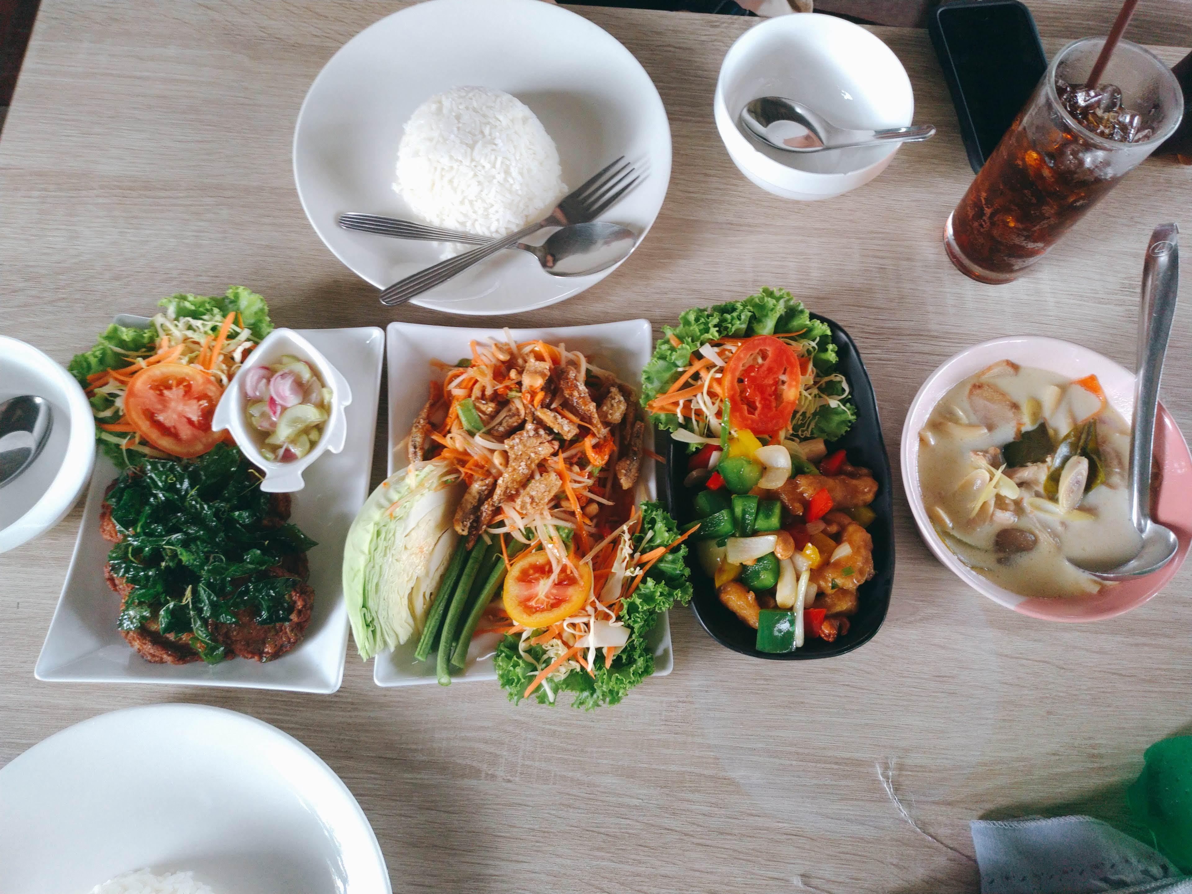 タイ料理セットのランチ