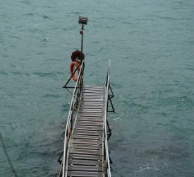 西環鐘聲泳棚
