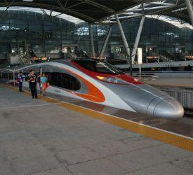 高速鉄道【G2903】にご乗車になり、広州南駅へ向けて出発