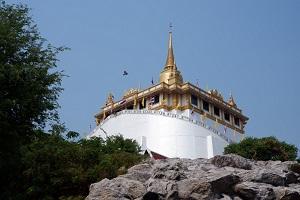 高さ80m、360度見渡せる回廊からのバンコクの眺めは最高!「ワットサケット」