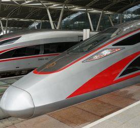 高速鉄道【G6551】にご乗車になり、深セン北駅へ向けて出発