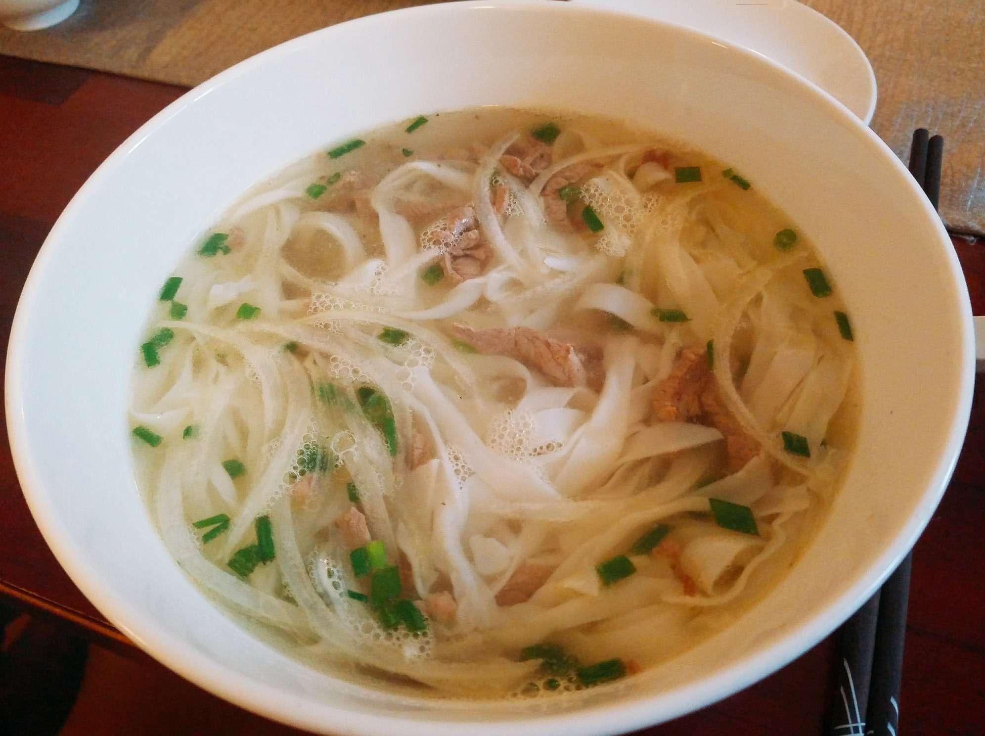 ベトナムセット料理の昼食