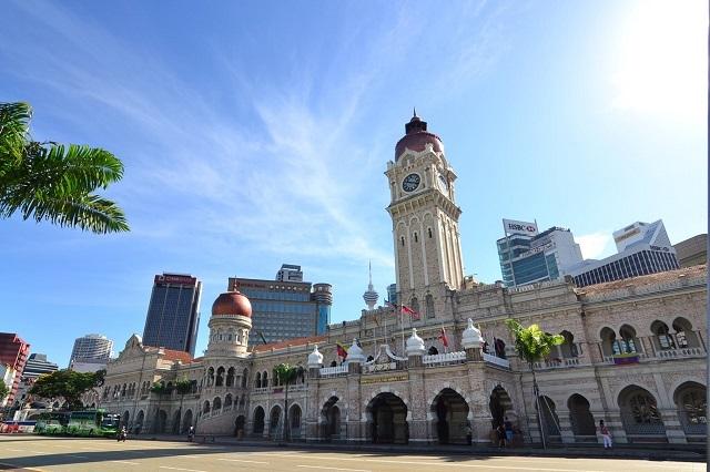 国立モスクと独立広場