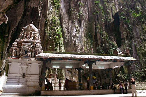 バツー洞窟