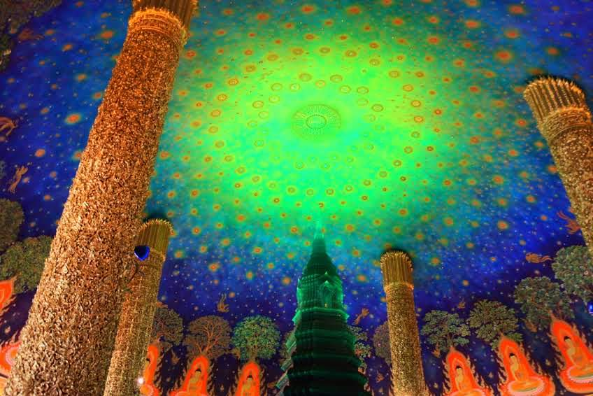 インスタ映えするエメラルドの仏塔が有名な「ワットパクナム」へご案内
