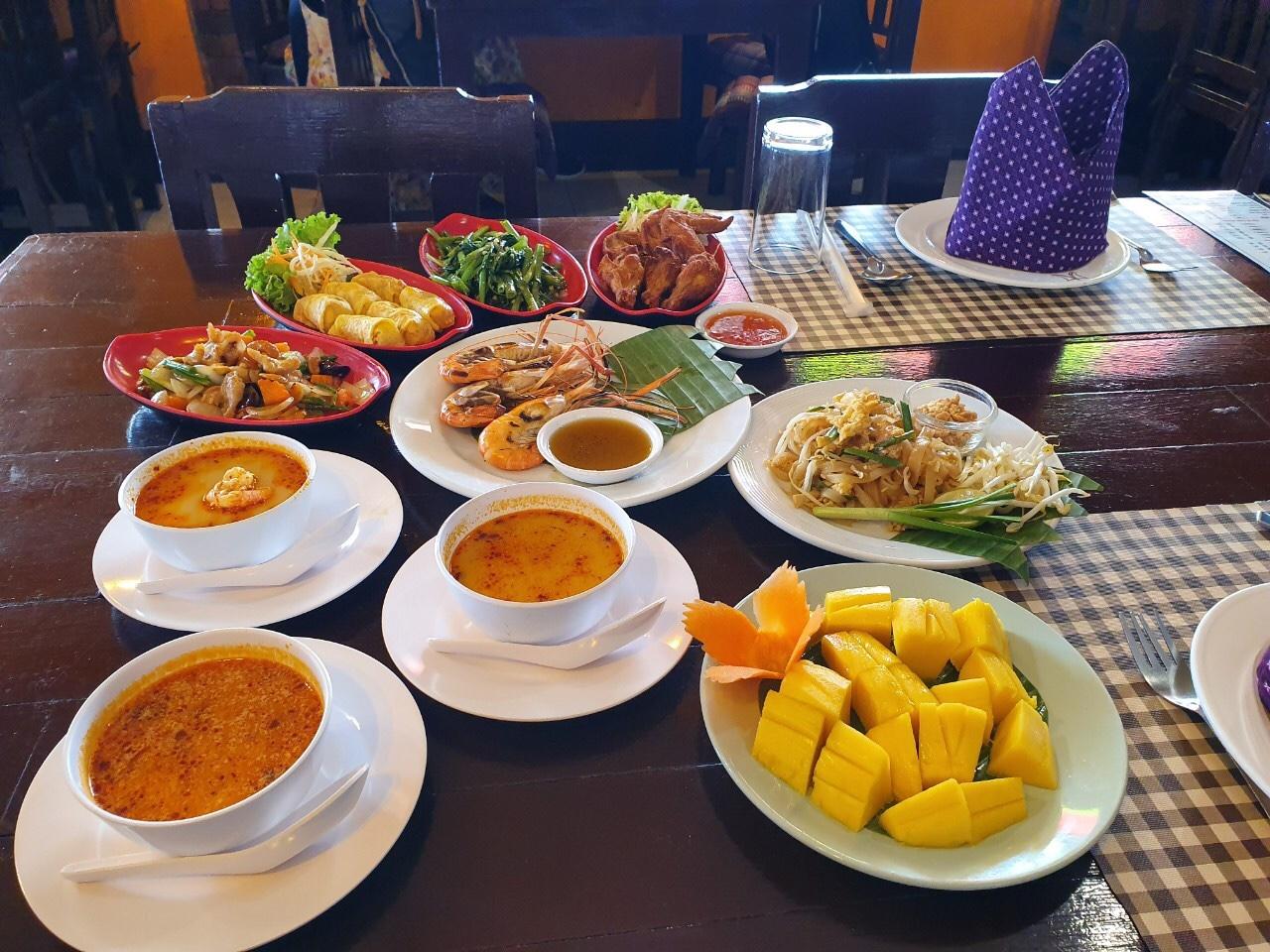タイ料理のご昼食
