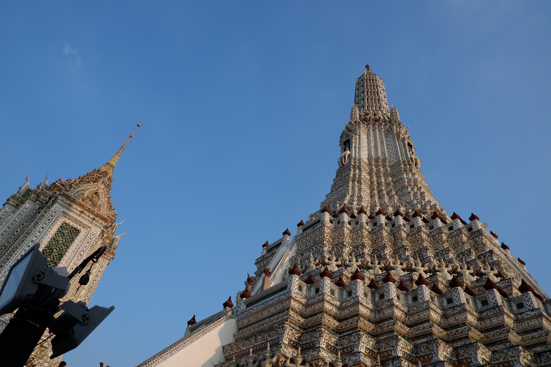トンブリ王朝をしのぶ『ワットアルン(暁の寺院)』へご案内