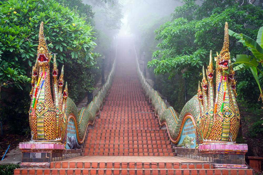 ドイステープ山頂寺院へ