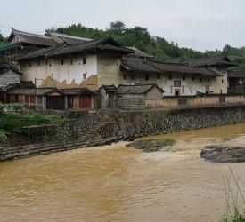 世界文化遺産登録された土楼群の1つ、華安の「大地土楼群」へ向け出発