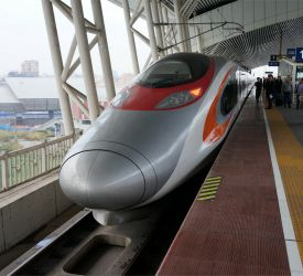高速鉄道【D2281】⇒【G6260】にご乗車になり、広州南駅へ向けて出発