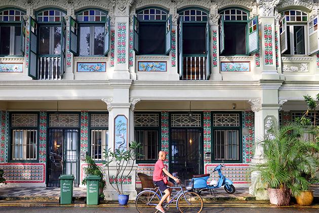 ジャランベサール周辺・昔ながらのテラスハウスが並ぶ写真スポット