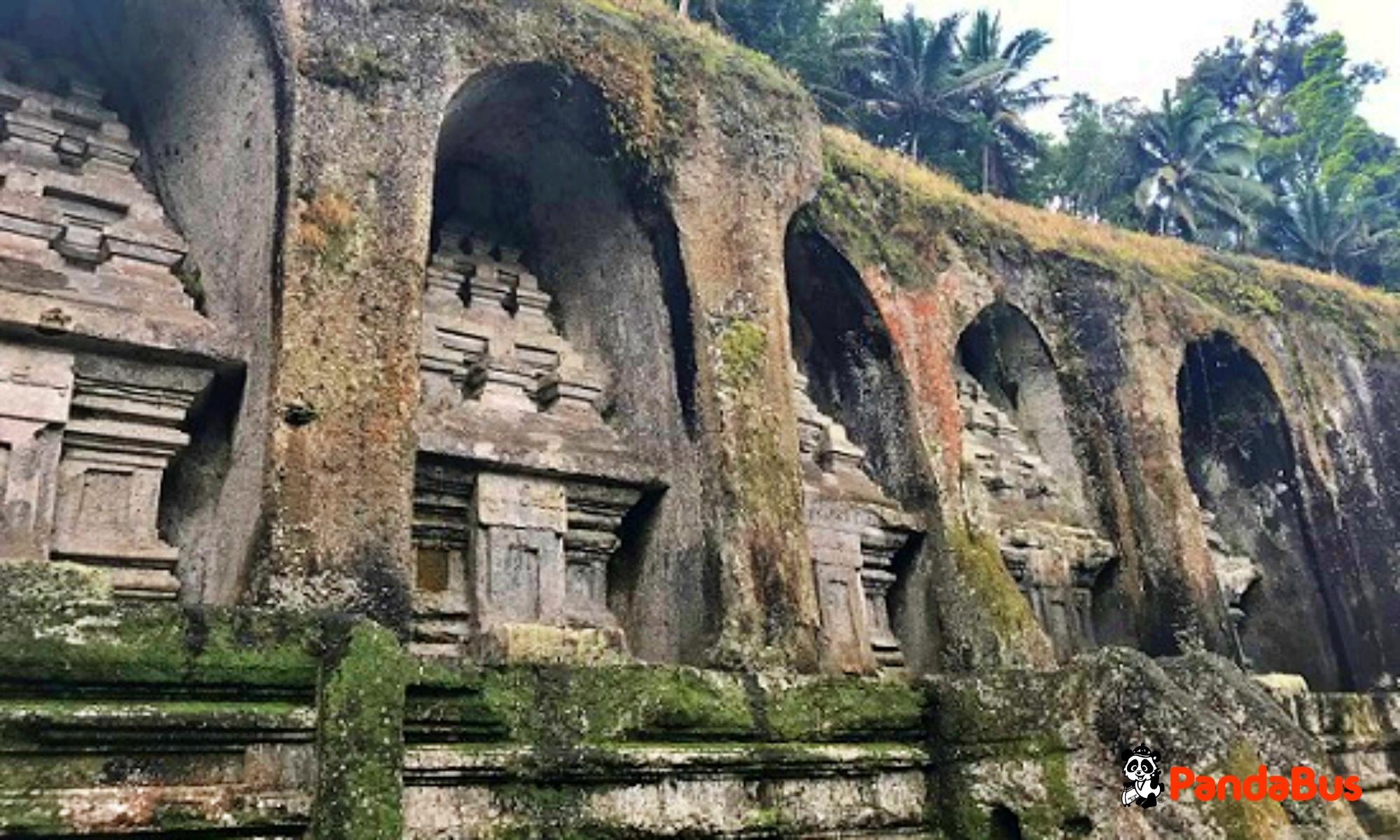 世界遺産『グヌンカウィ遺跡』迫力ある石窟遺跡