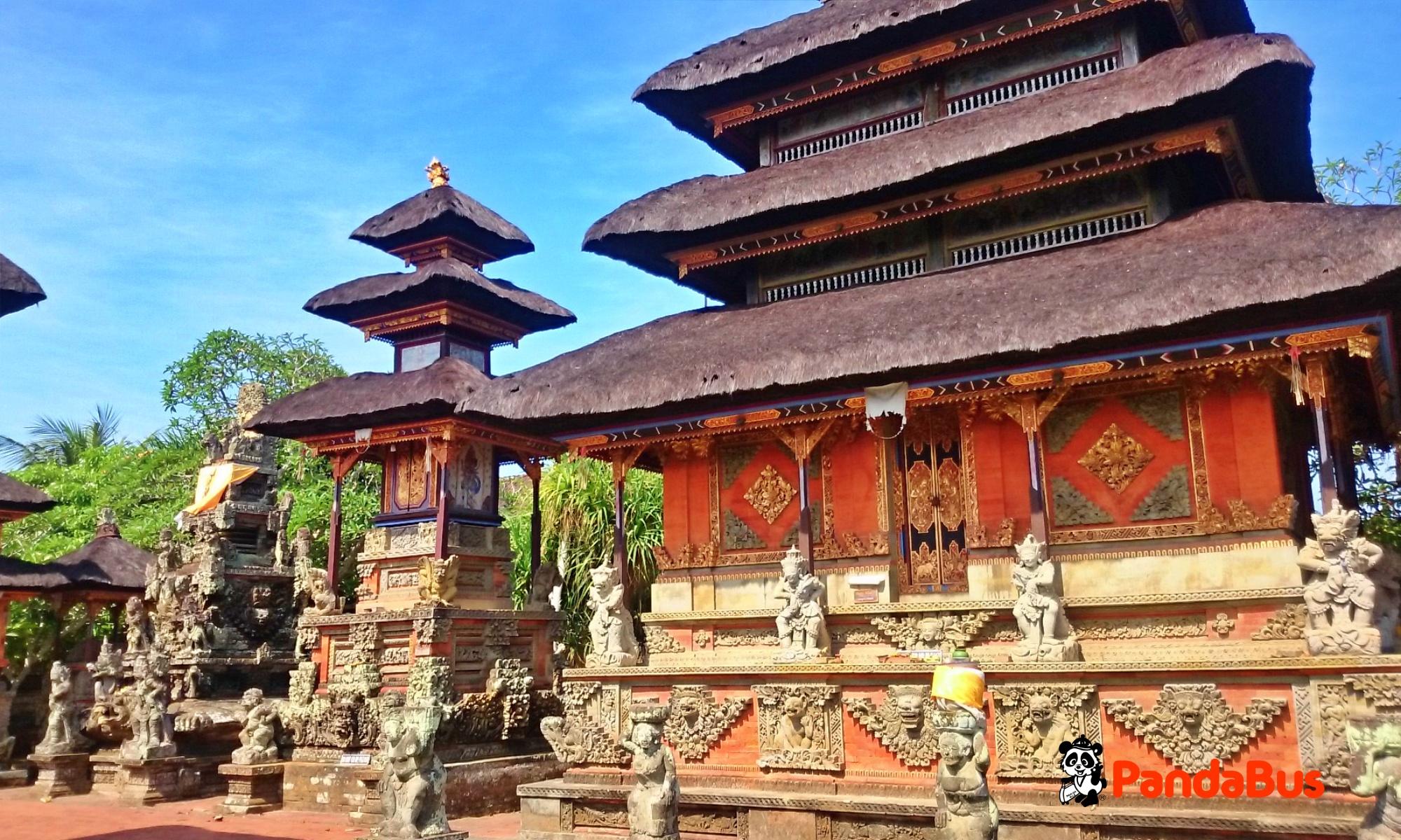 バトゥアン寺院へ立ち寄り(約15分)