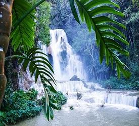 クアンシーの滝の観光にご案内。