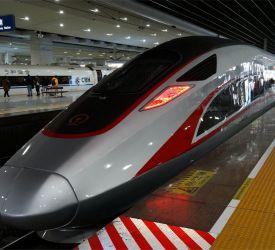 高速鉄道【G80】にご乗車になり、広州南駅へ向けて出発
