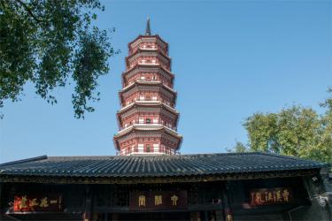 広州最古の建物を有する「六榕寺」へご案内