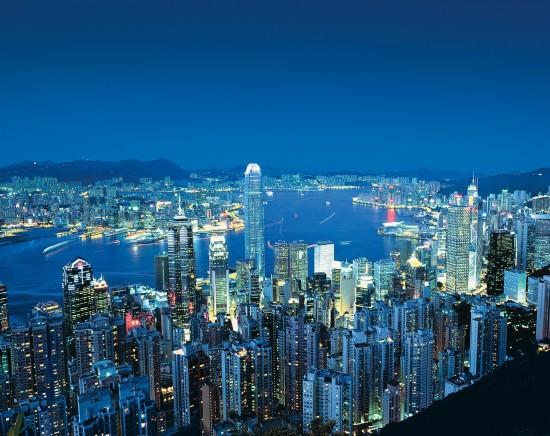 香港の夕焼けから夜景まで大人気の時間をゆっくり堪能!ビクトリア湾を一望できるピークトラム <日本語ガイド/優先レーン>
