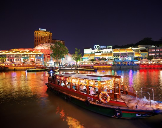 キラキラ夜景ボート