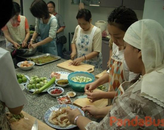 目指せ名コック!!日本語でのタイ料理教室(体験クーポン)